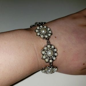Beautiful Pearl Silver Bracelet